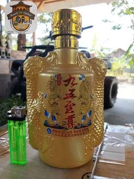 Tempat minum bahan kaca dengan motif naga