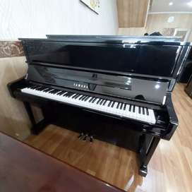 Piano Yamaha U1J Upright Piano Klasik Akustik Second Bekas
