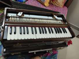 HARMONIUM GOOD CONDITION