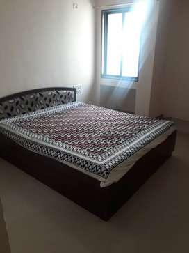 Pg room available in chala /gunjan