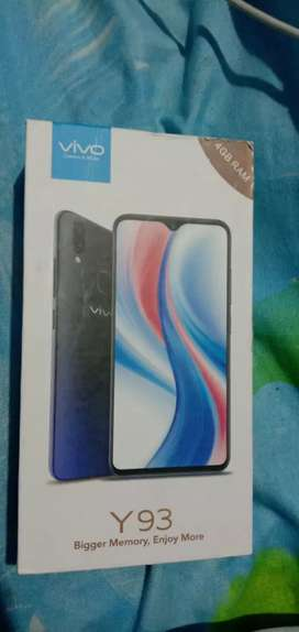 Price : 10,999. Only    Vivo y93  top condition brand new 4GB ram