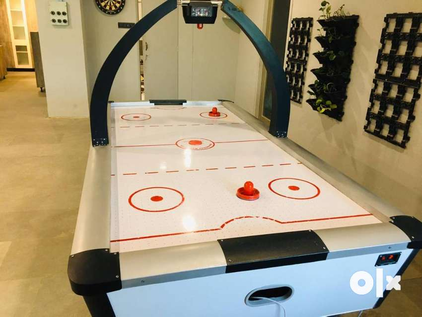 Air Hockey in Good Condition 0