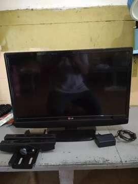 Jual tv led lg 24in lg+braket gantung, minat WA