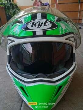 Helm KYT full face double visor