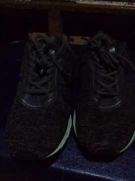Sepatu runing MAKSED