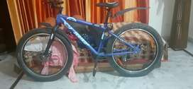 Jeriko gang cycle . With extra bold tyres