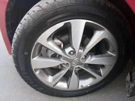 ,i20 diamond cut alloy wheels sat of4 single paies here two paies here