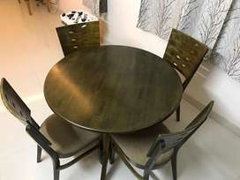 Round Dining table - 4 seater
