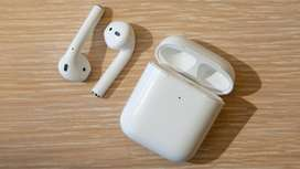 Apple airpods 2      Only 2 months old