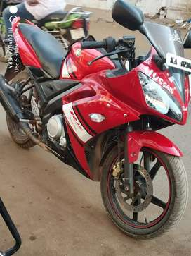 Yahama yzf R15 red colour good condition bike ready to ride