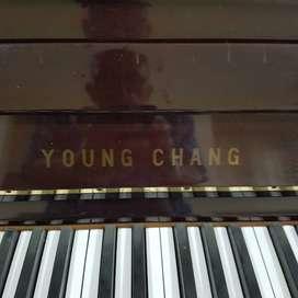Jual Piano merek Youn Chang, beli dari baru di tahun 1987.