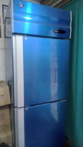 Refrigerator Hoshizaki comercial chiller..