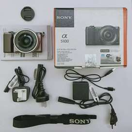 Sony A5100 Mirrorless
