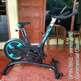 Spinning bike Commersial (Ready Stock)SOLO FITNESS CENTER
