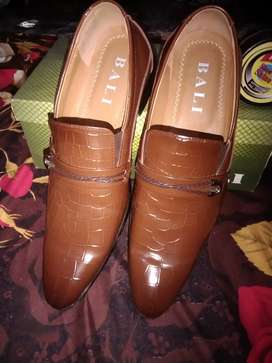 Bali brand colour Tan size 44