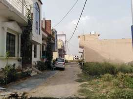 Plot and villa in noida extn tilpata 130 mtr road