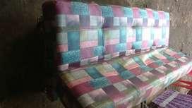 kami beli sofa bekas rusak normal dan bagus