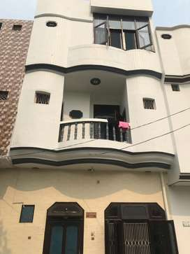Exelent condition house for sale in jagrati vihar