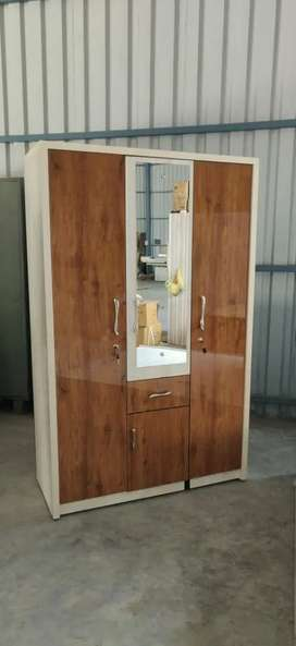 Brand new wardrobe 3door directly from the manufacturer