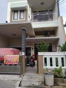 Dijual Rumah Bagus Minimalis 2 lantai di Cluster Candrabaga PUP Bekasi