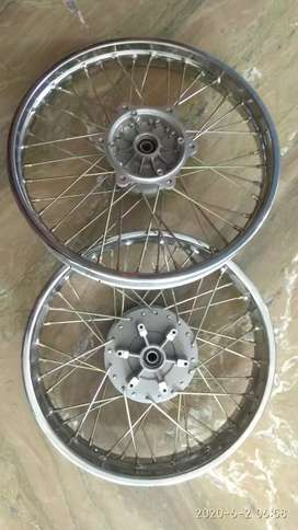 350 Bullet Classic Wheel Rim set OE New