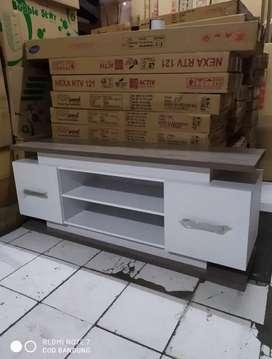 meja tv minmalis ukuran P 150 x L 40 x T 50 cm