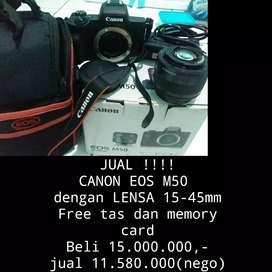 CANON EOS M50 (PLUS LENSA 15-45 MM)