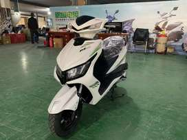 Brand new zero meter fully automatic with self start 125cc