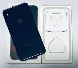 BUY IPHONE XS MAX / 64GB WITH BILL AND ALL ACCESSORIES