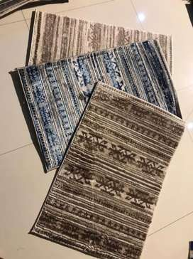 Cetre rugs