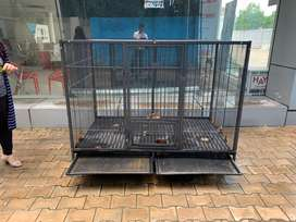 Dog cage good condition.