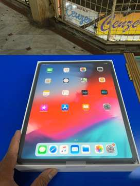 Apple ipad pro 3 12.9 256gb wifi cellular like new with all acc box