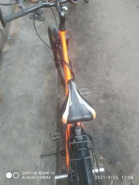 Hero bycycle v good condition 1year bycycle