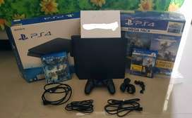 PS4 Slim 1TB CUH-2218b Include Game