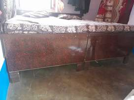 Duble bed bechna he 4 mahine purana