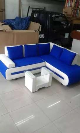 Sofa sudut cantik mungil