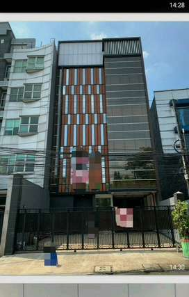 DIJUAL Gedung untuk Perkantoran 5 1/2 lt di Tebet Jakarta Selatan.