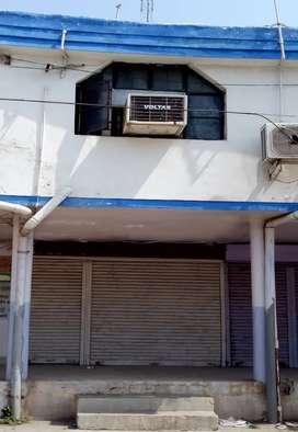 घंटाघर काम्पलेक्स, कोरबा में स्थित डबल डेकर दुकान बेचना है ।