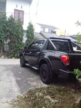 di jual mobil strada triton gls tahun 2011 Rp. 165.000.000