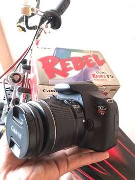 Canon rebelT5(1200D)
