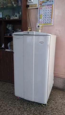 100% working fridge, At a very cheap price!