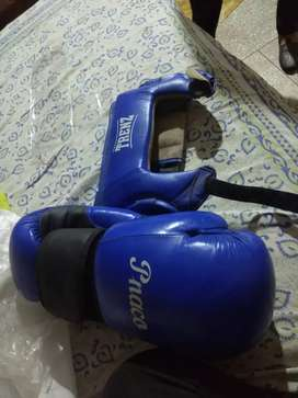 BOXING gloves with helmet , what a offer buy fast