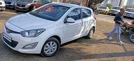 2014 i20 diesel car clear nd clean car