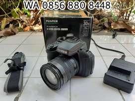 Fujifilm HS-35 EXR 30x zoom (semi DSLR)