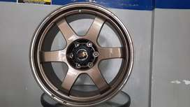 Velg new te37 r20x9.0 h6x139.7 et10 on fortuner pajero sport dakar