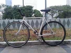 Fullbike Fixie Sepeda Fixed Gear / Fixie