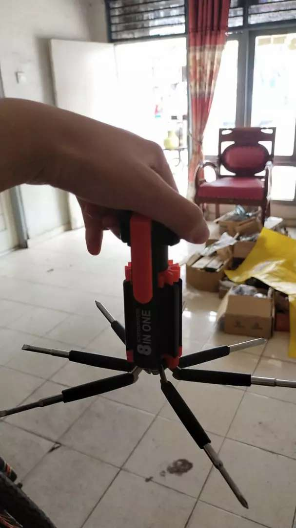 8 in one screw driver multi torch