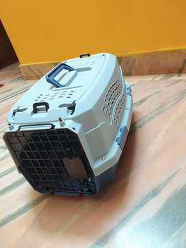 Cat or puppy carrier cage.Two Door Top Load Pet Carrier (19-inch)