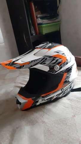 Helm cross zeus
