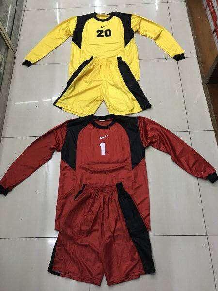 Kaos baju kiper dewasa sepak bola dan futsal bahan salur 0